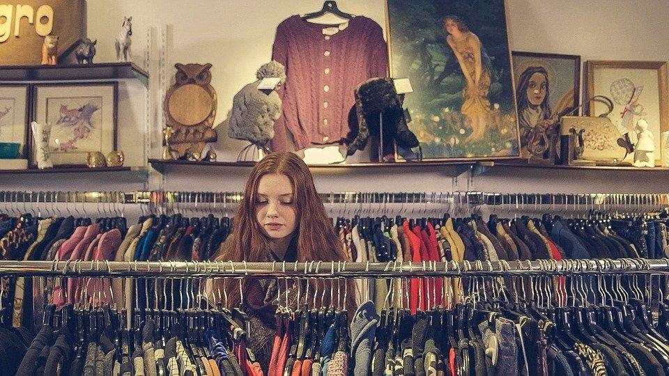 compra de roupa em loja