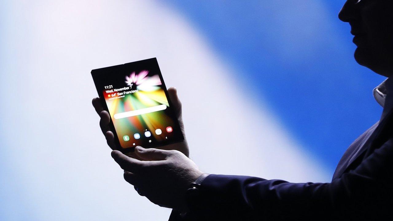 smartphone samsung dobrável