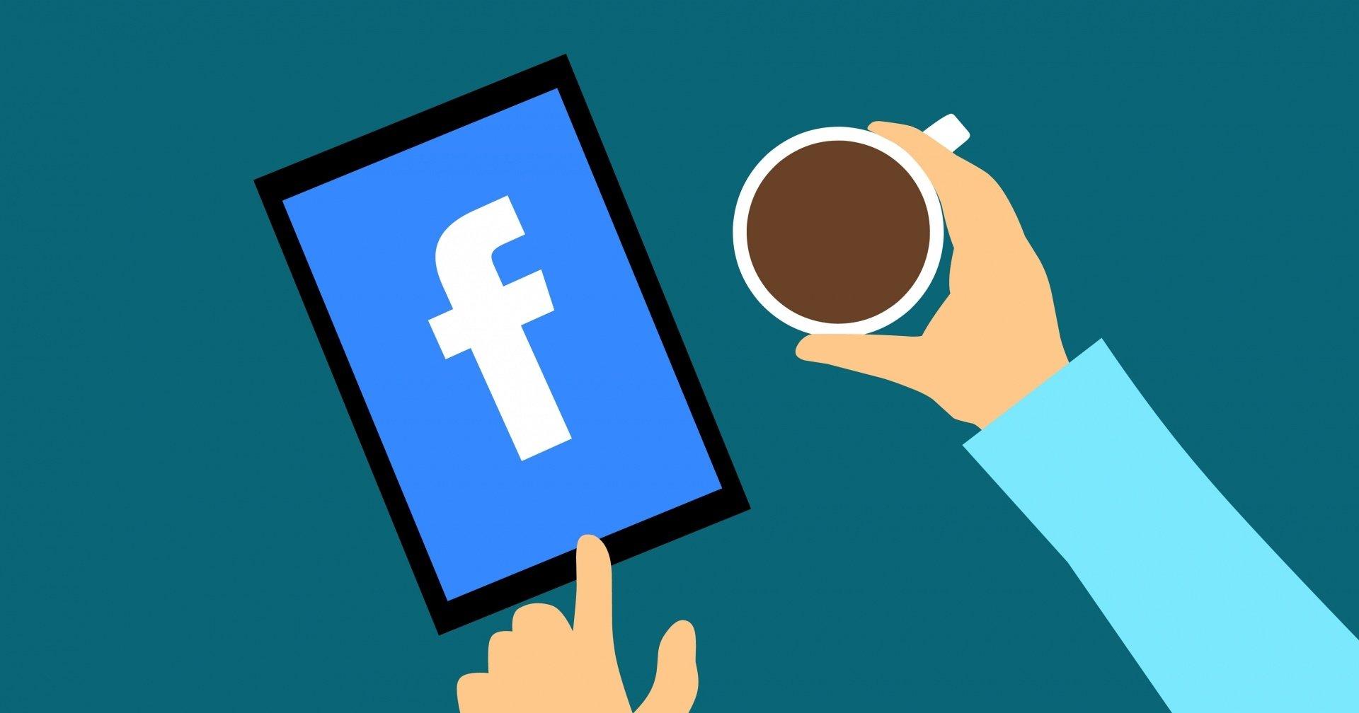 Facebook logo num tablet e perto de café