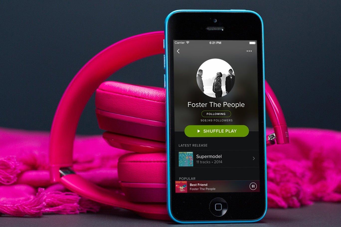 Spotify sobre um iPhone