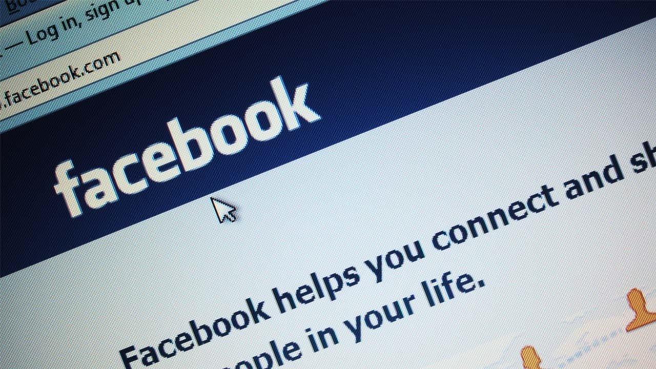 Facebook sobre teclado