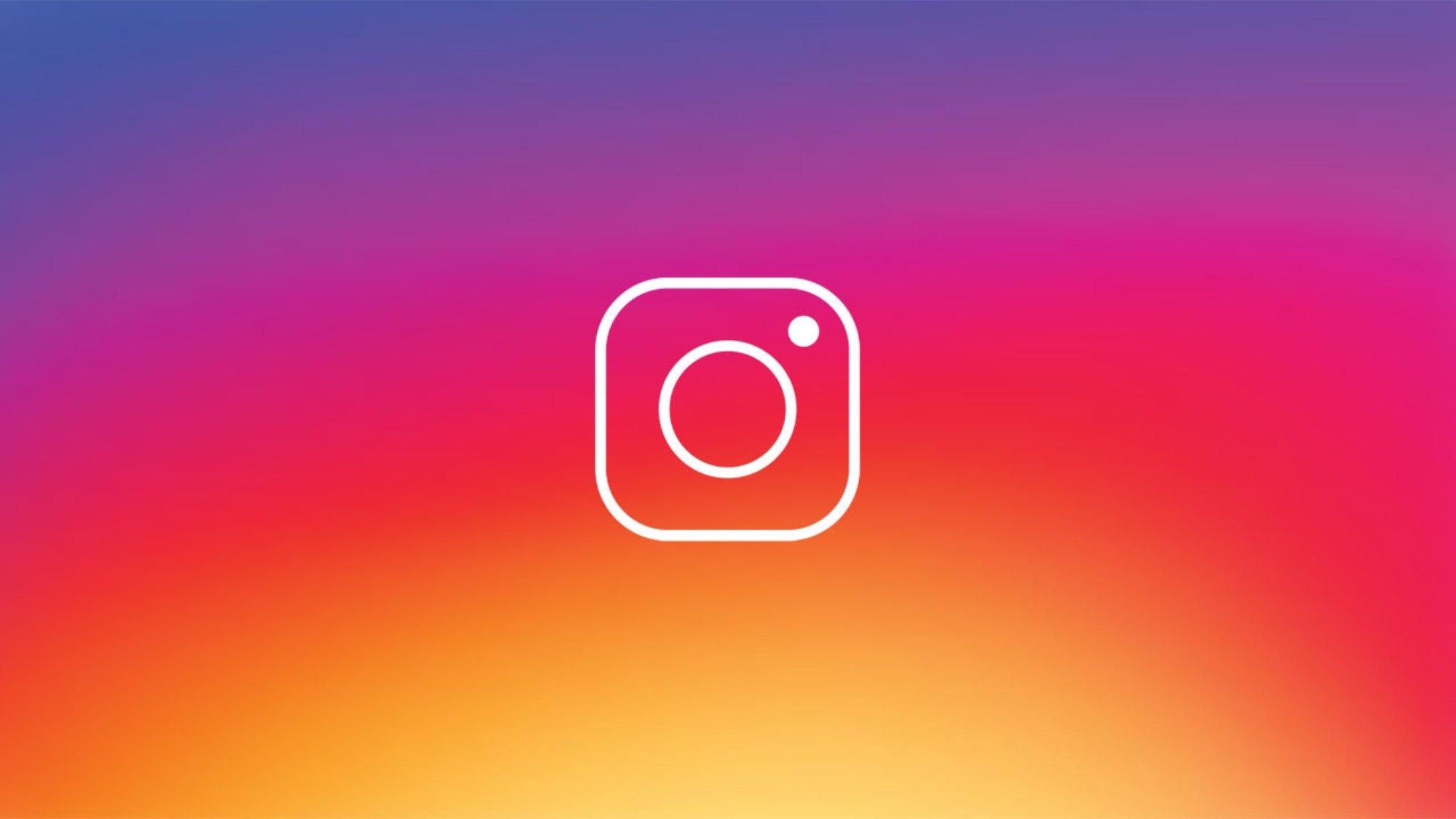 Instagram logo sobre fundo colorido