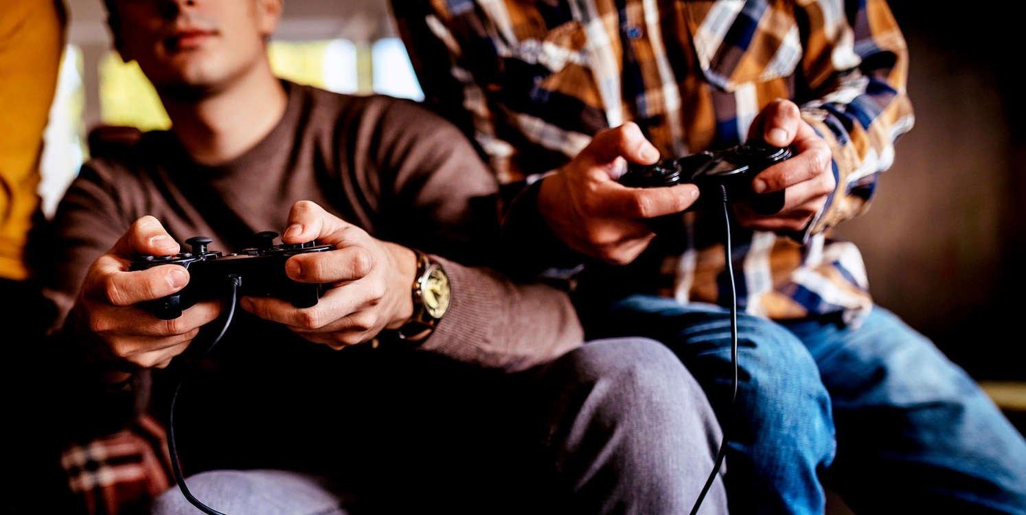 gaming consolas comandos jovens