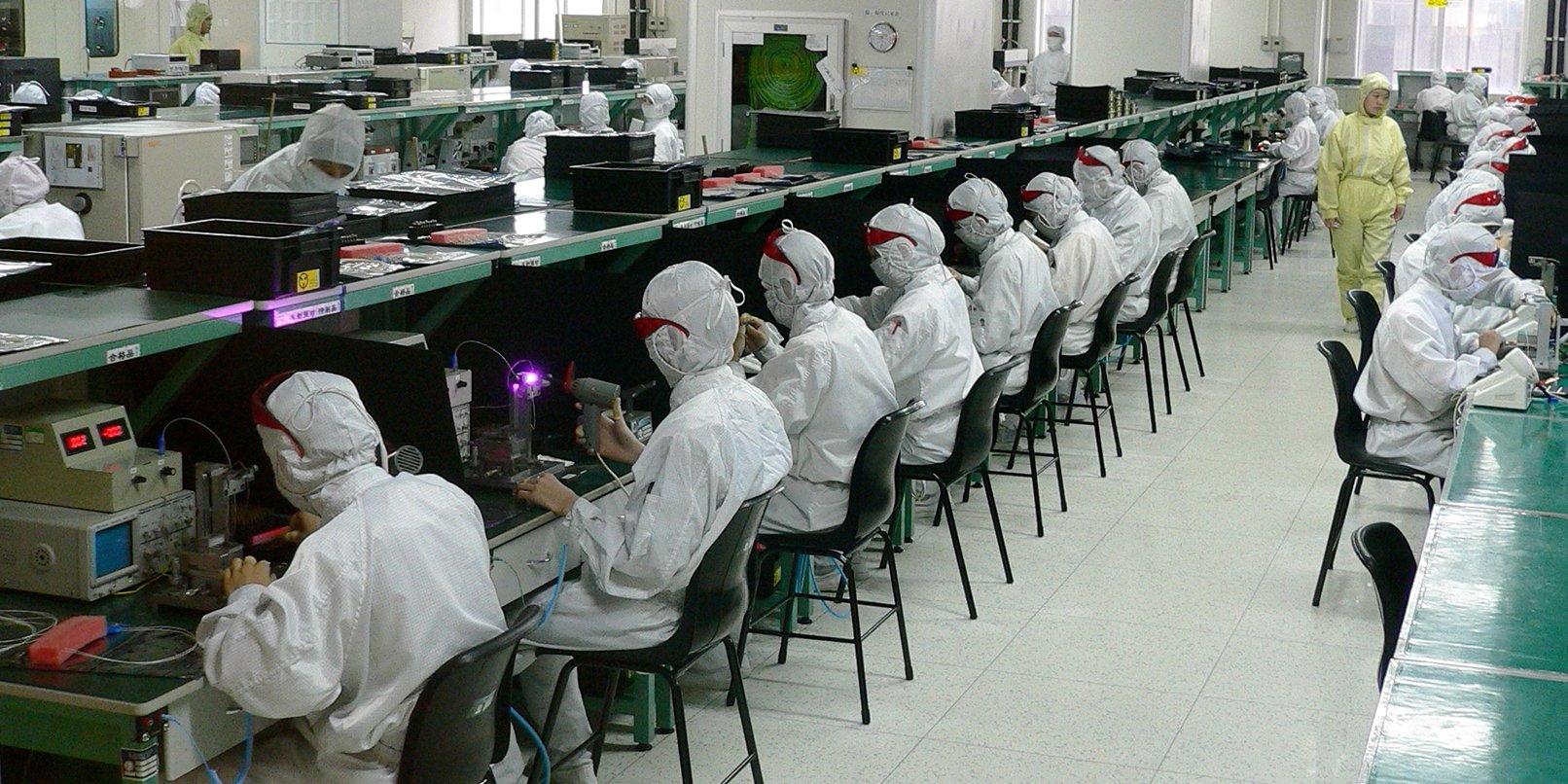 linha de montagem de hardware