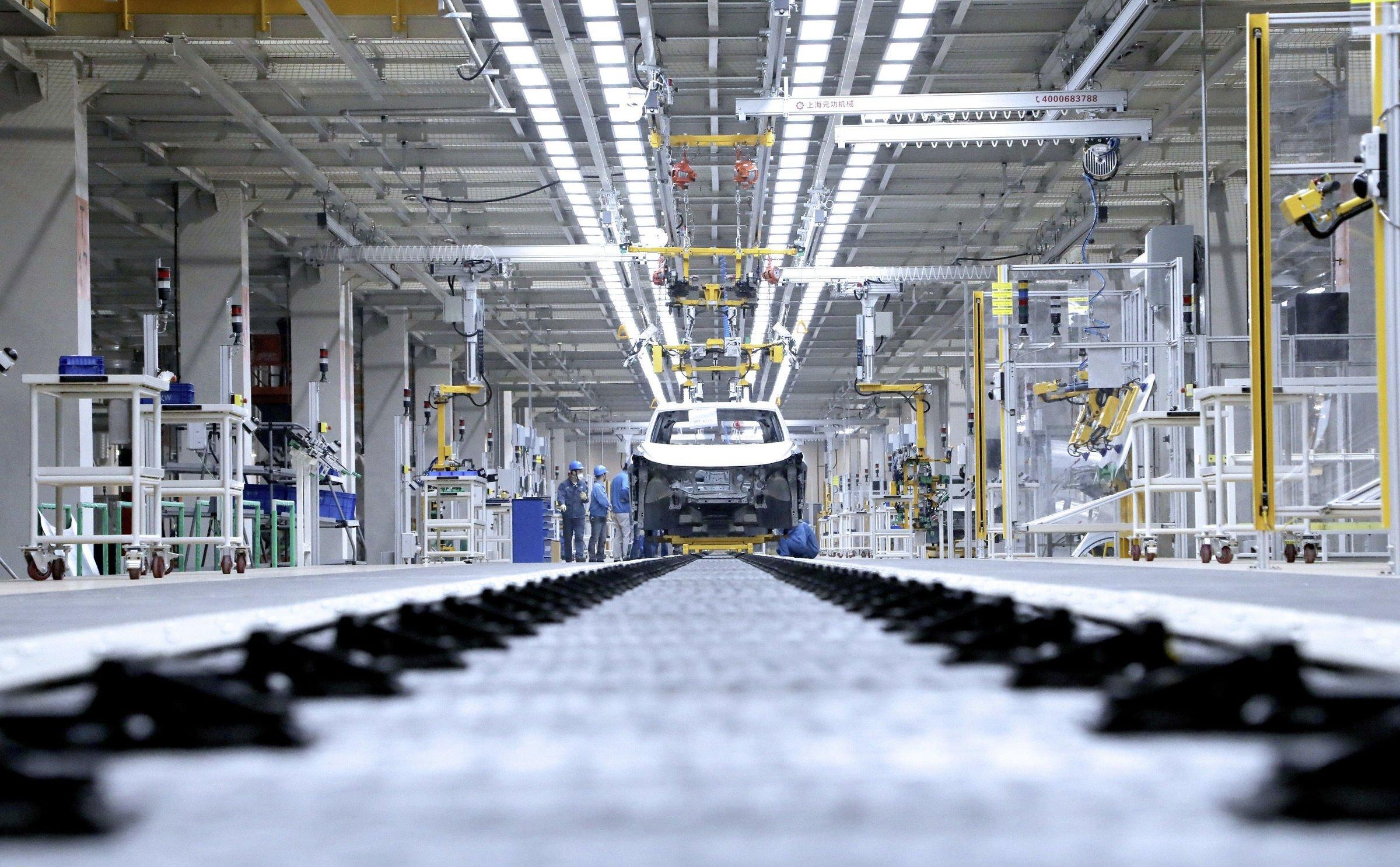 linha produção automóvel