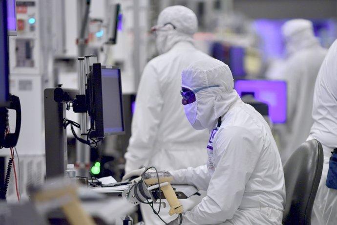 Intel fábrica