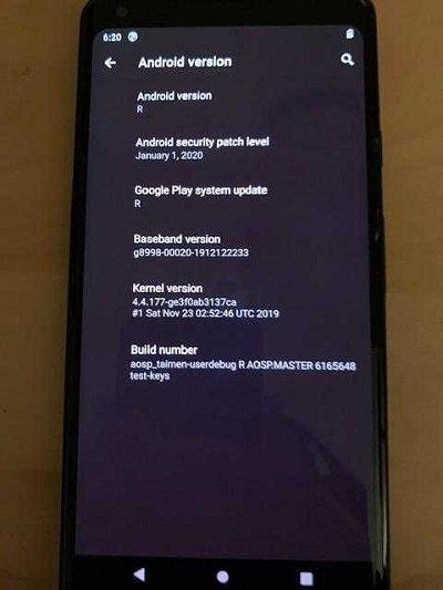 Android R em funcionamento sobre smartphone google