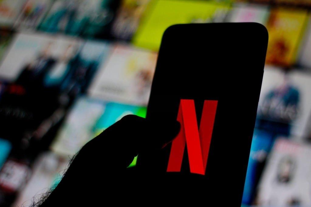 Netflix sobre uma tv