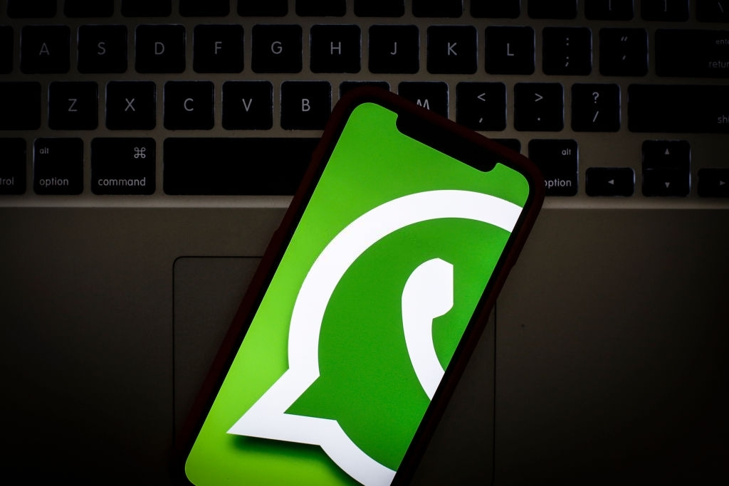 WhatsApp sobre um computador portátil