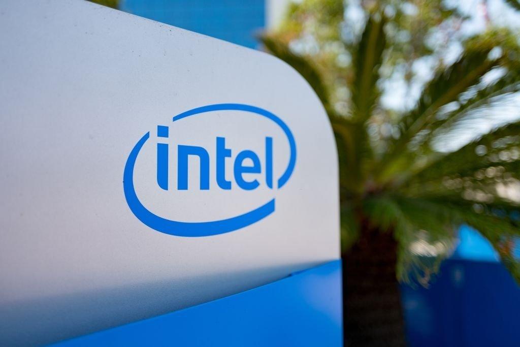 Intel sobre edificio