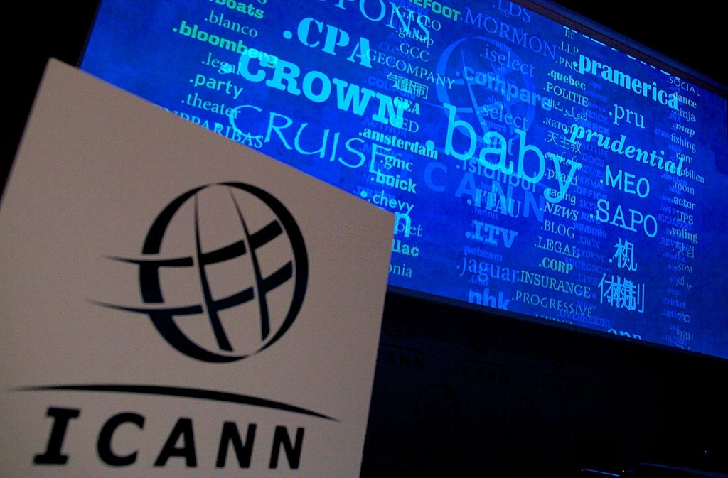 ICANN e registo de dominios