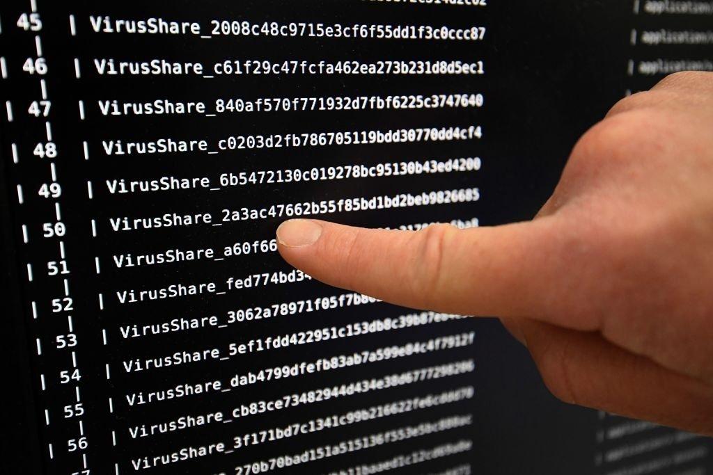 código de malware em ecrã