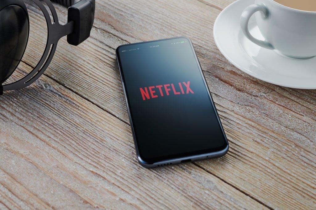 Netflix sobre smartphone
