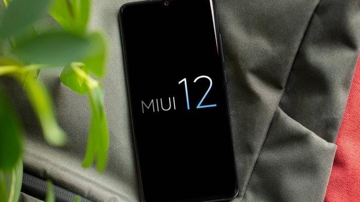 MIUI 12 sobre smartphone