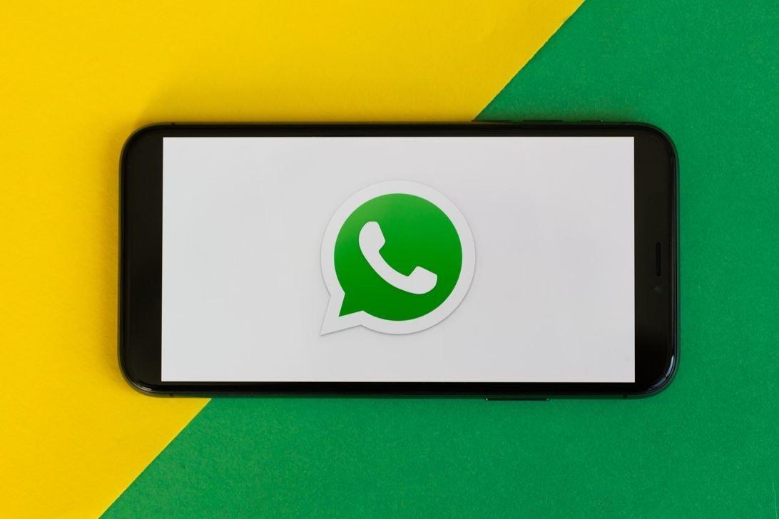 WhatsApp aplicação sobre smartphone