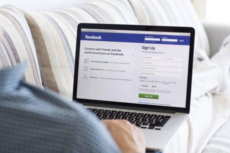 facebook sobre portátil
