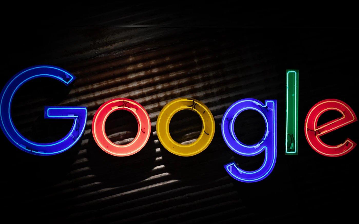 Google logo parede
