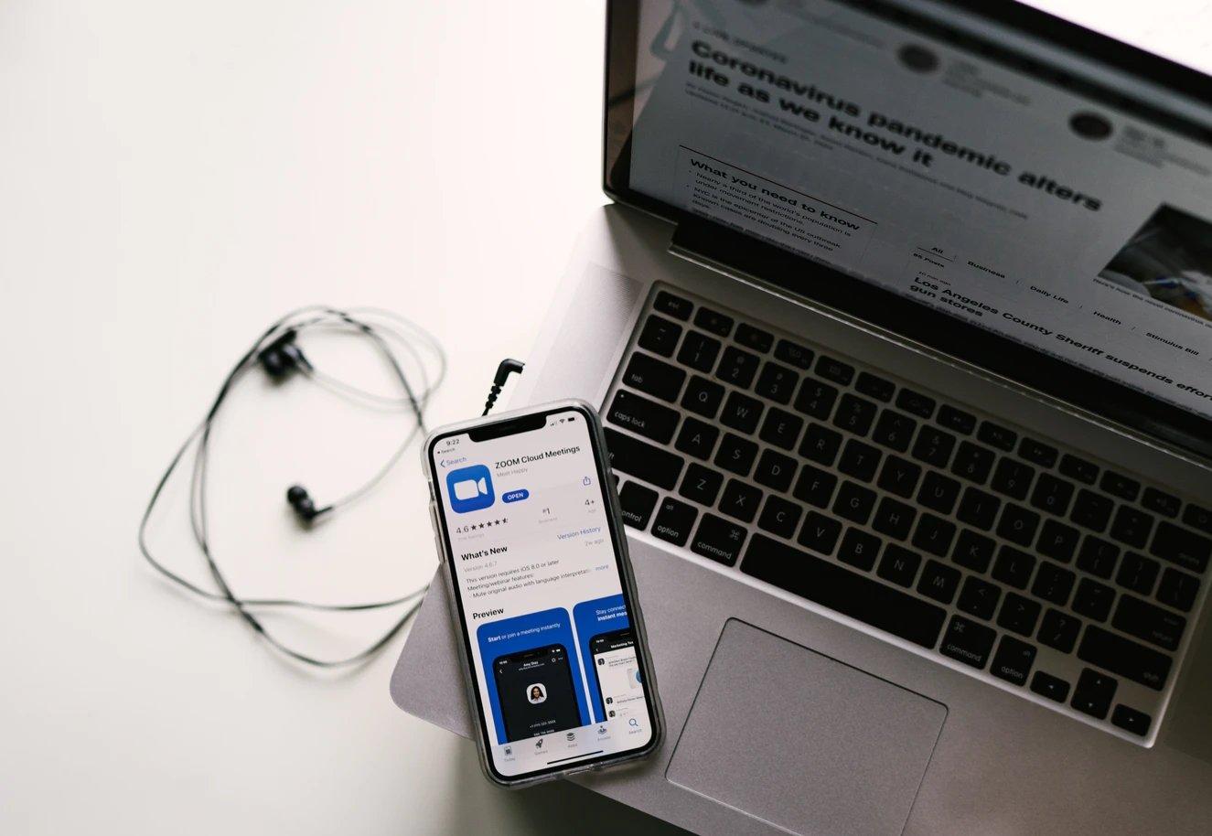 Zoom em smartphone e computador