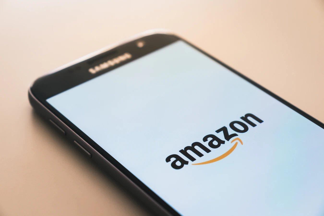 Amazon em smartphone
