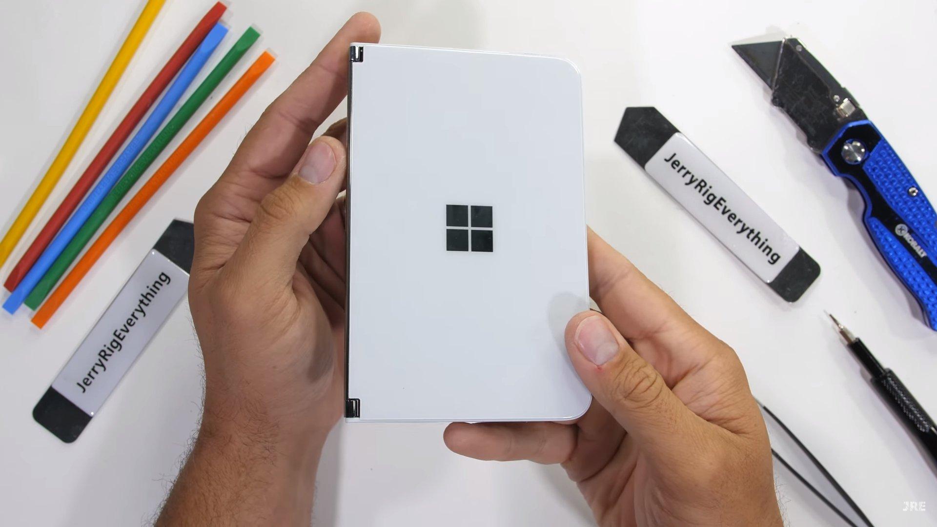 Microsoft Surface Duo reparação