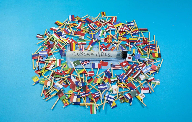 coronavírus países bandeiras mundiais