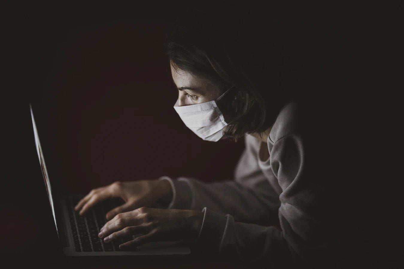 covid pandemia e os perigos da internet