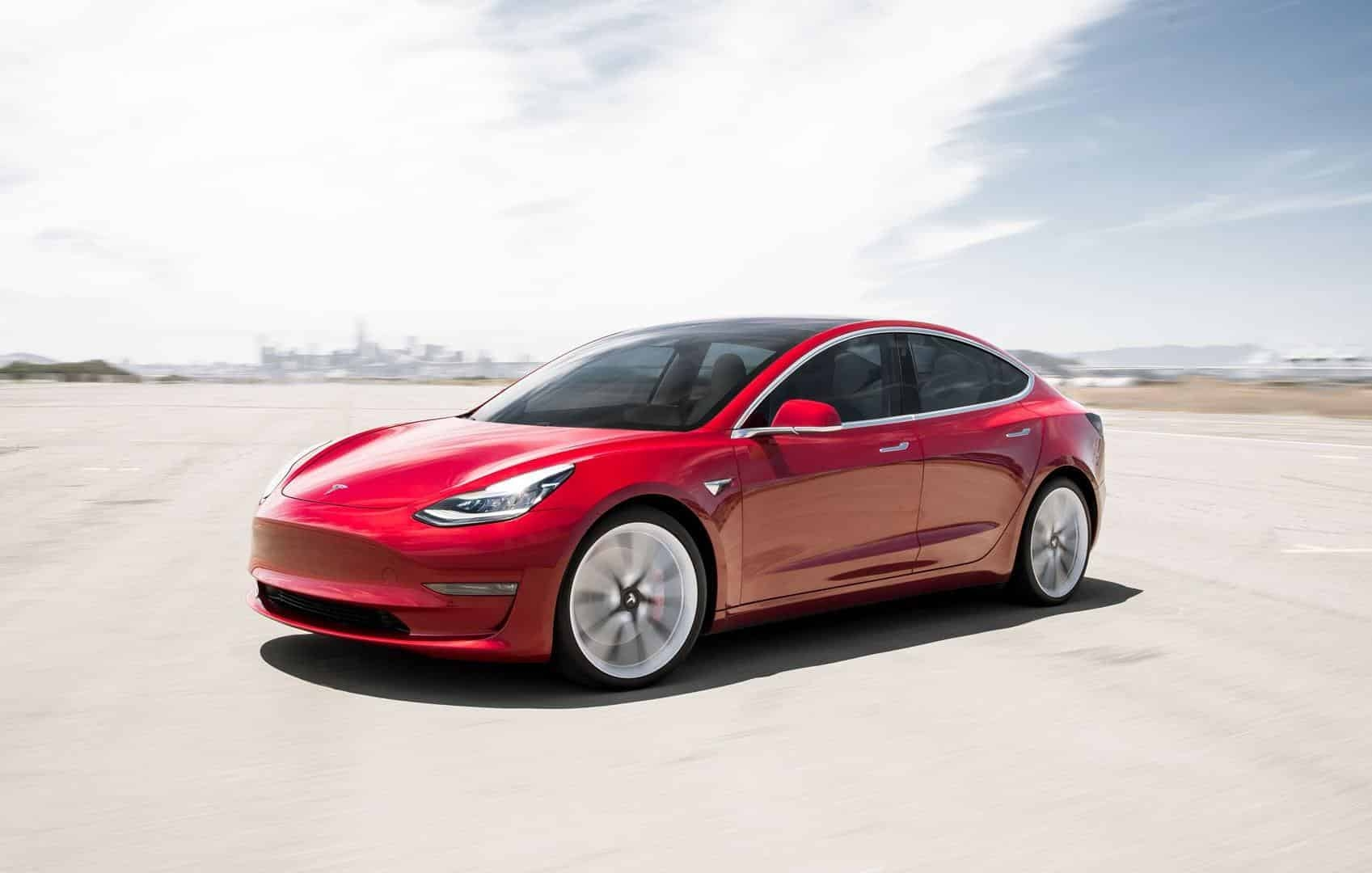 Tesla e veiculo