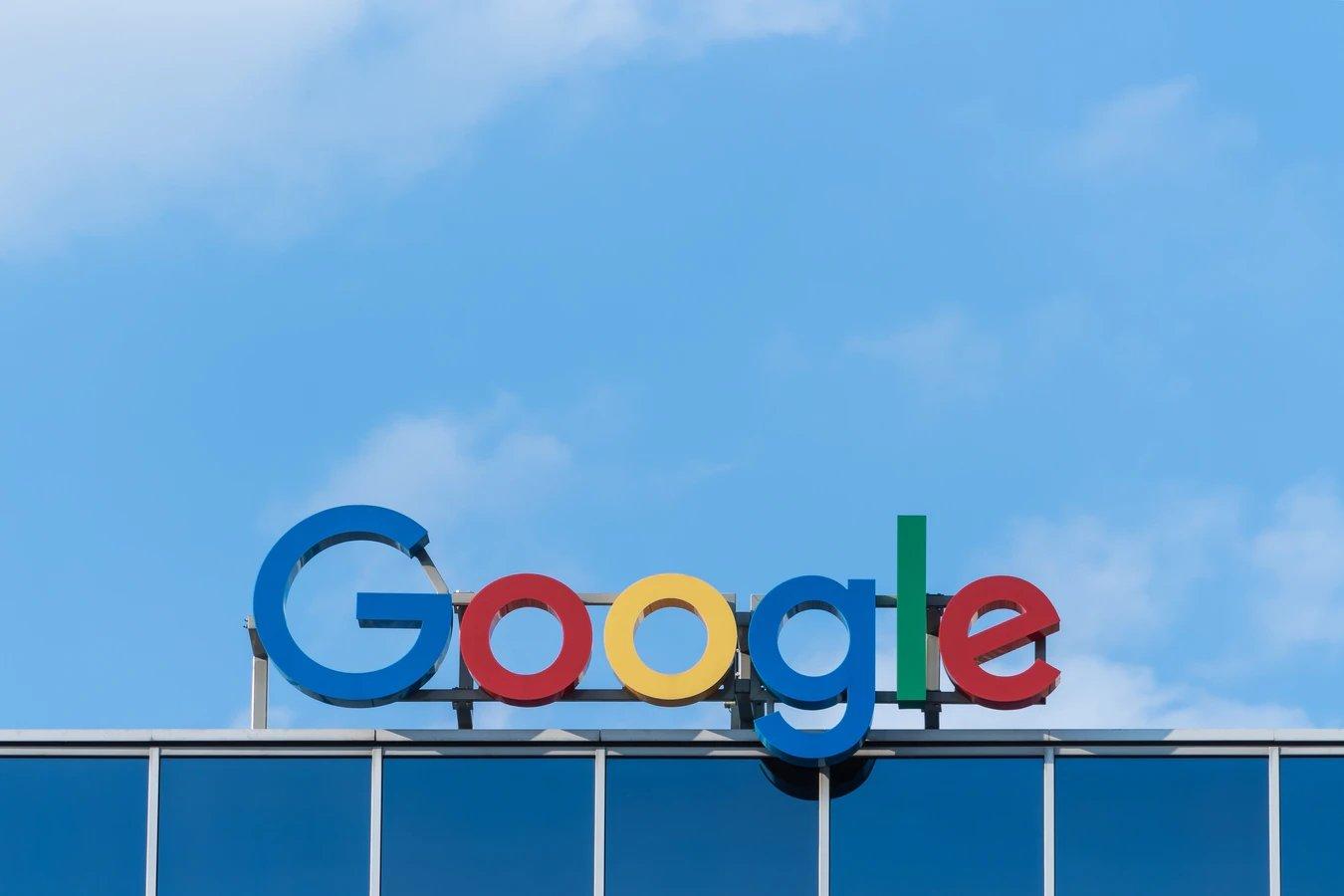 Google logo em sede da empresa