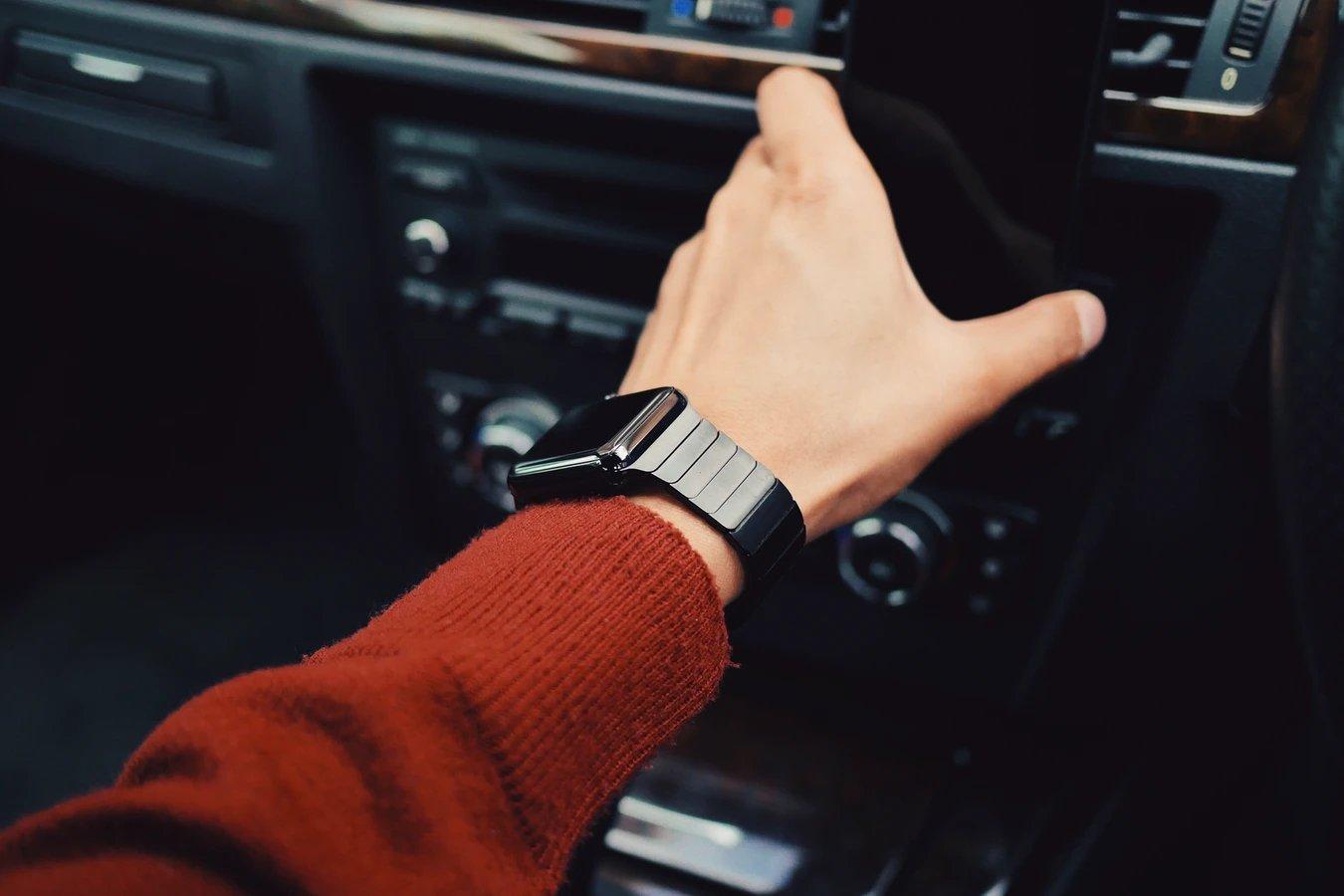 smartwatch no pulso
