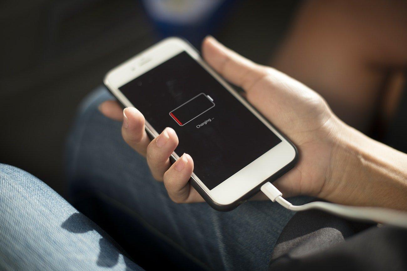 carregar smartphone iphone