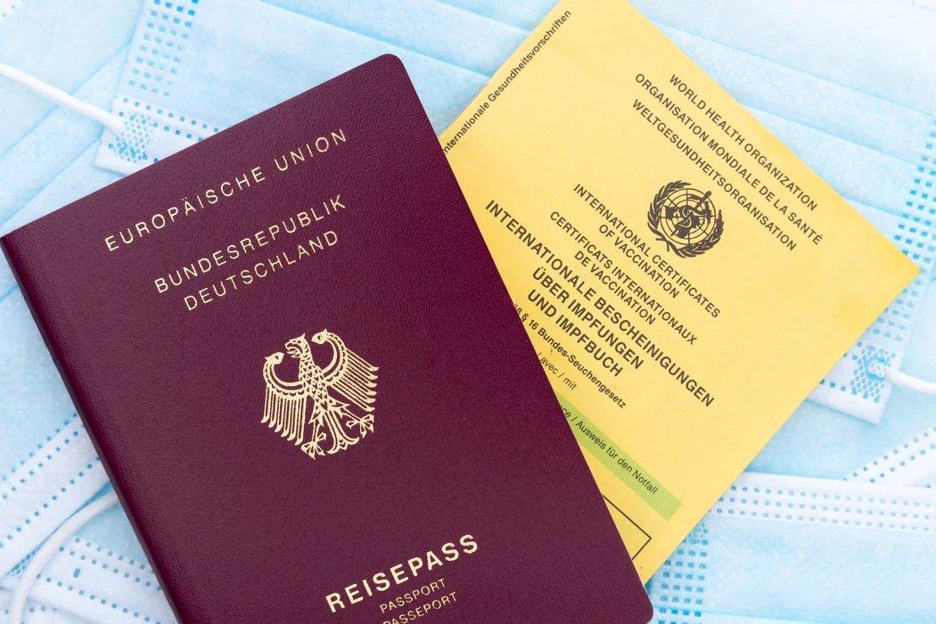 Cartão de vacina e passaporte