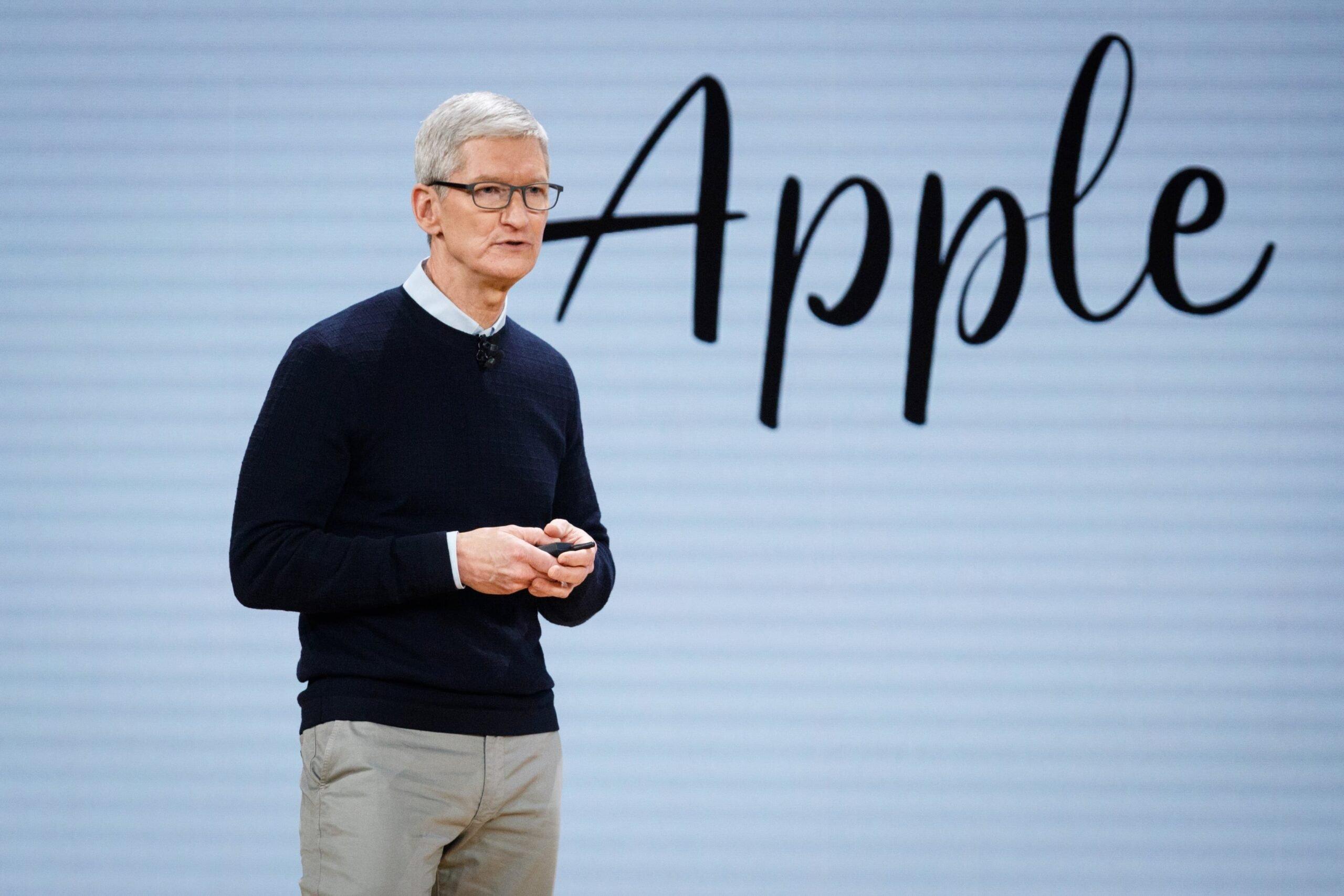 Tim Cook durante um evento da Apple