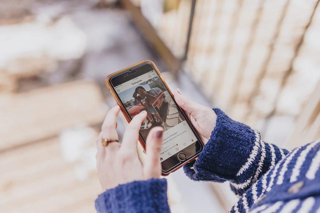 Instagram a ser usado em smartphone