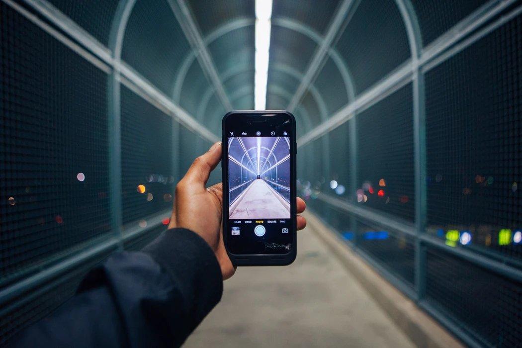 Smartphone a ser usado para foto