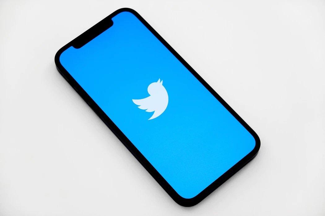 Twitter em smartphone