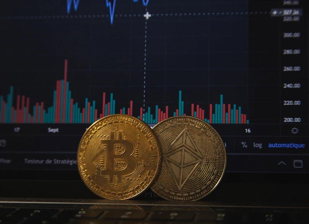 Bitcoin sobre teclado