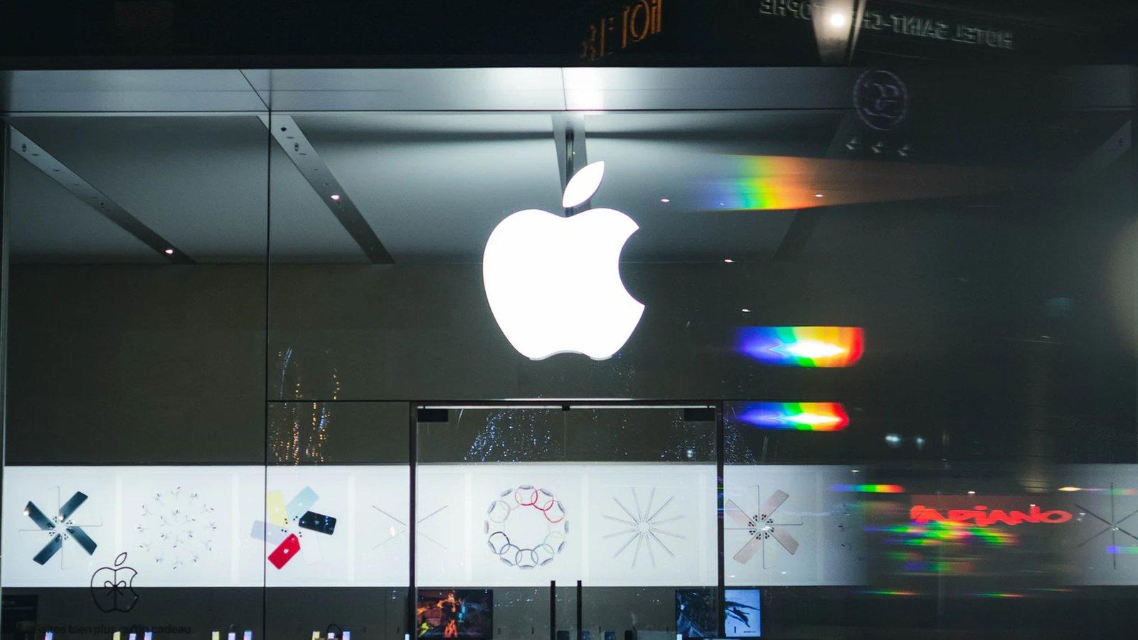 Apple logo em loja