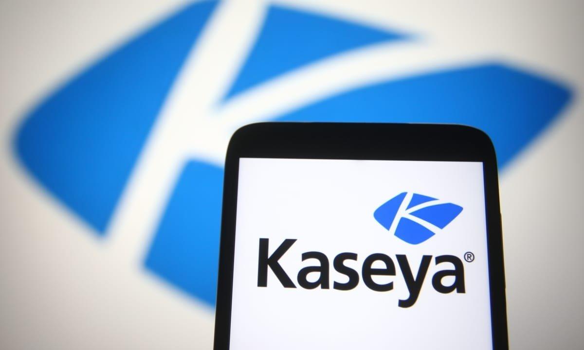 Kaseya logo em smartphone