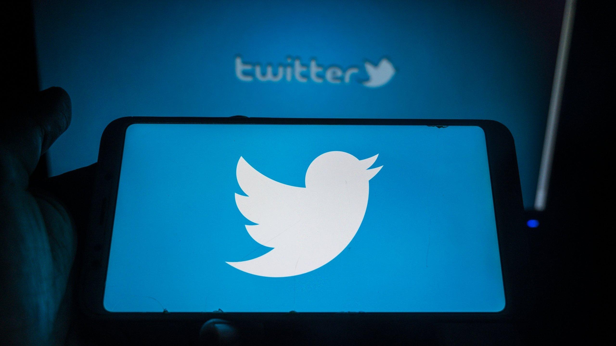 App do Twitter em smartphone