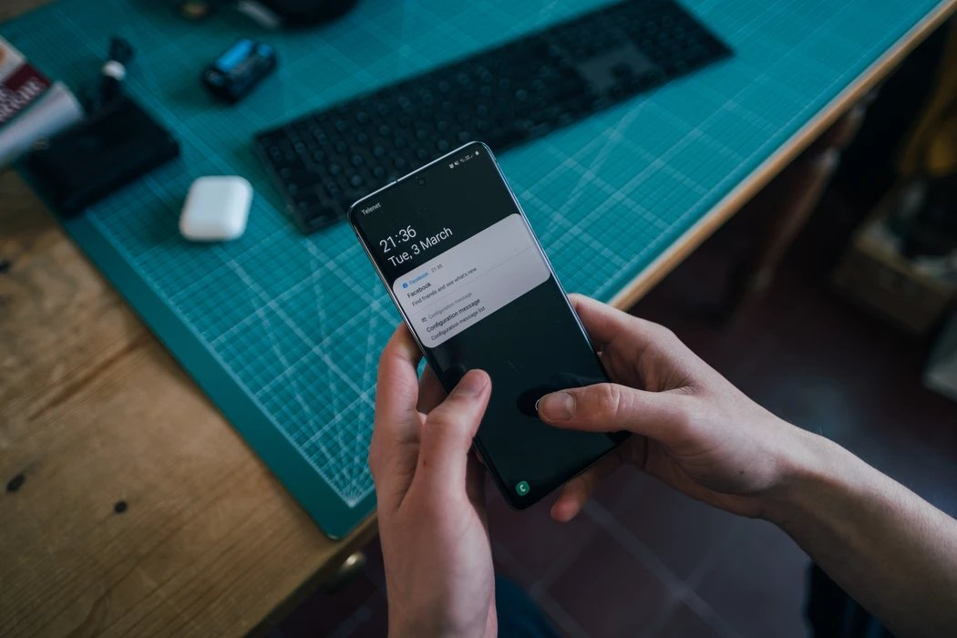 Samsung Galaxy S21 com a One UI