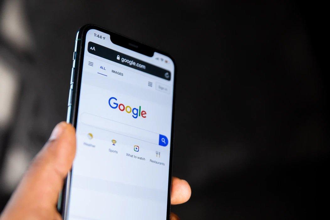 Google pesquisa num smartphone