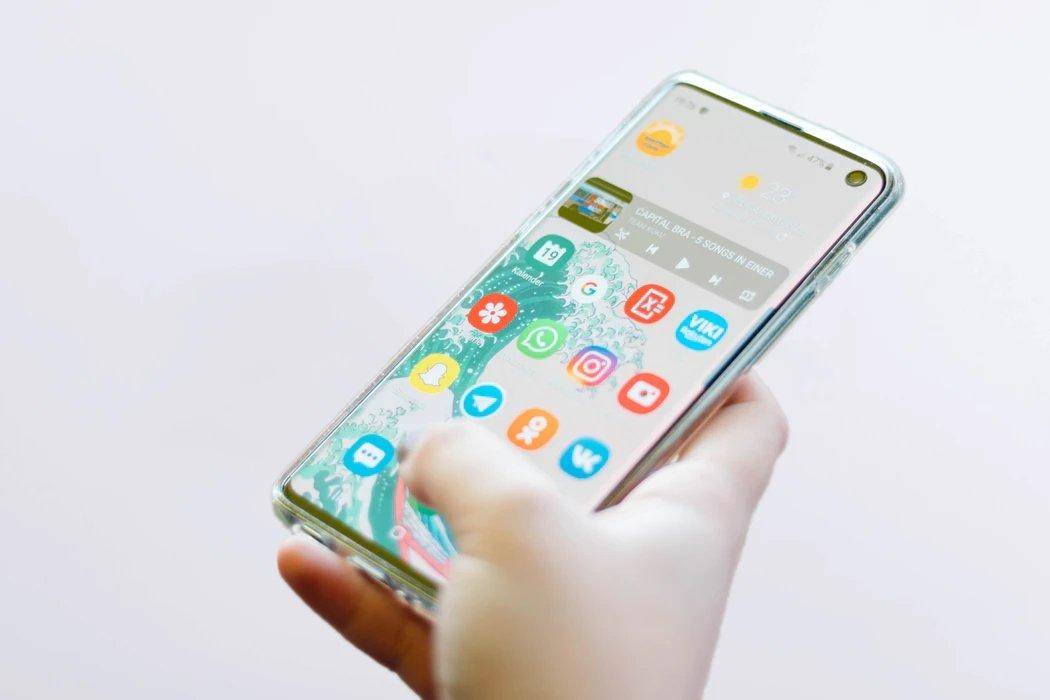 Samsung smartphone a ser usado