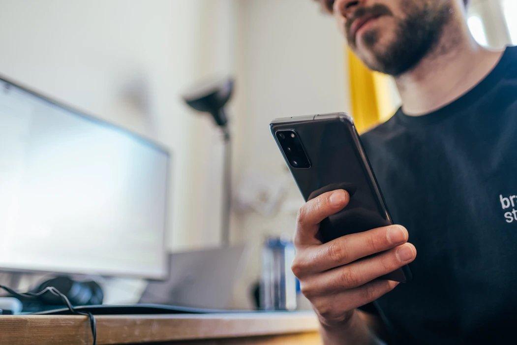 Smartphone a ser usado
