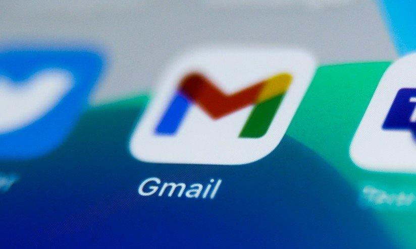 Gmail app em smartphone