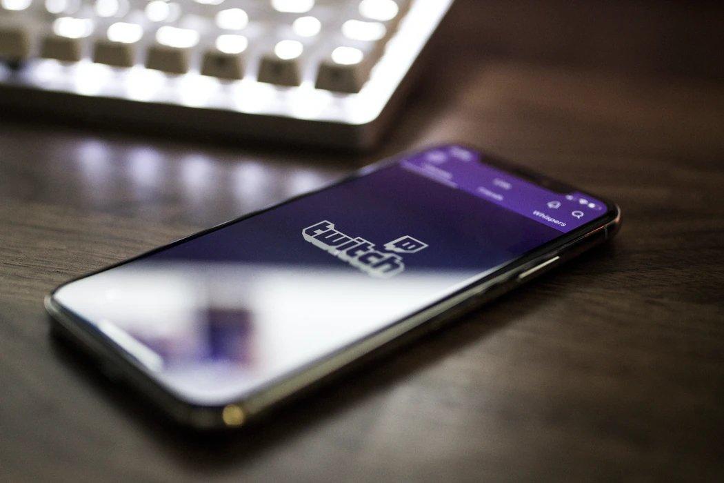 app do Twitch em smartphone