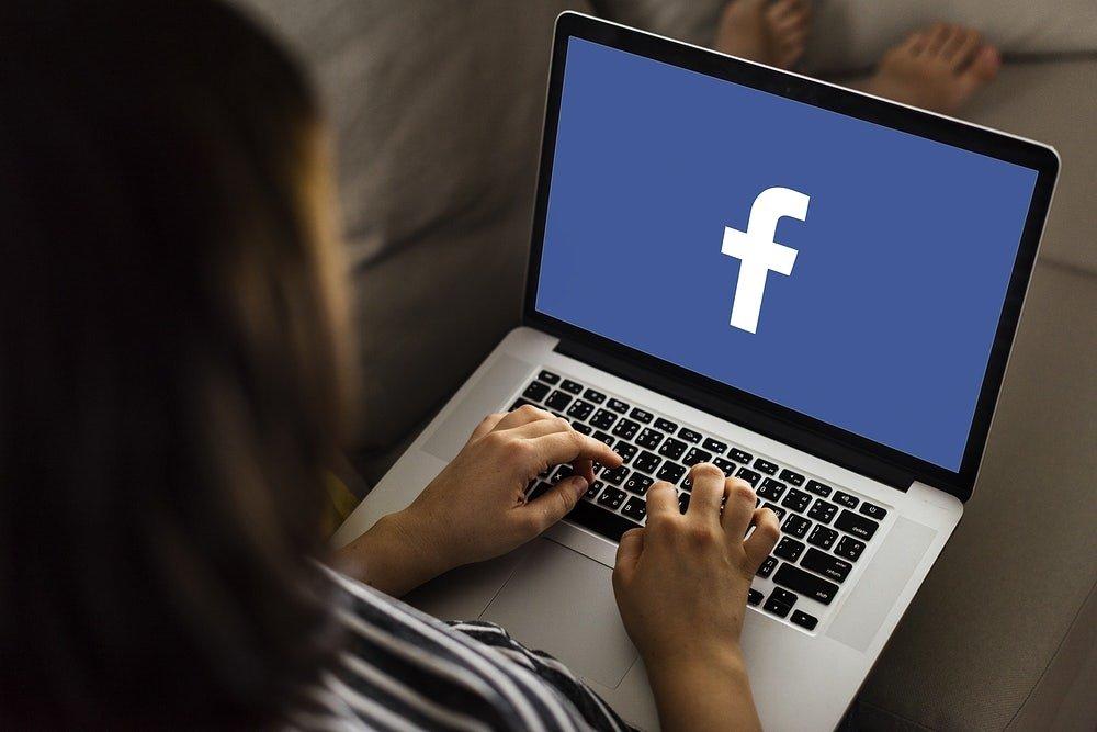 Facebook em computador