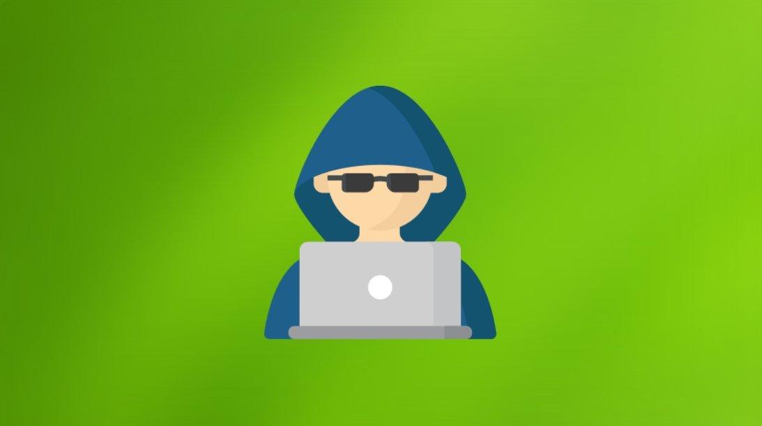 Malware com hacker em primeiro plano