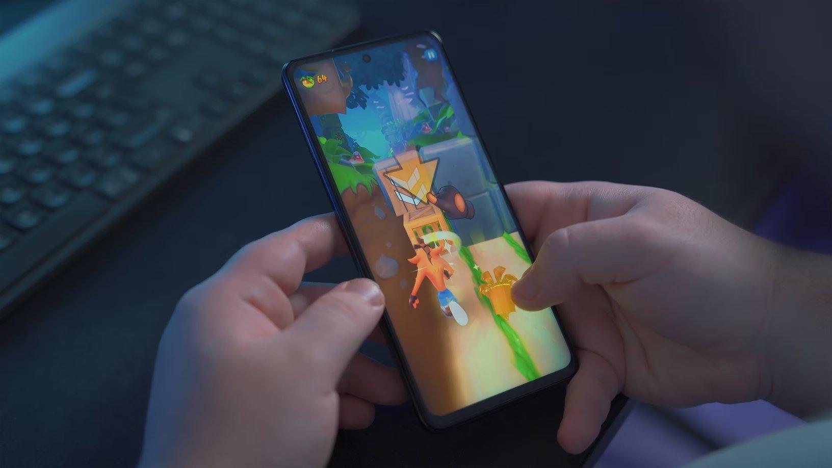 smartphone com jogo