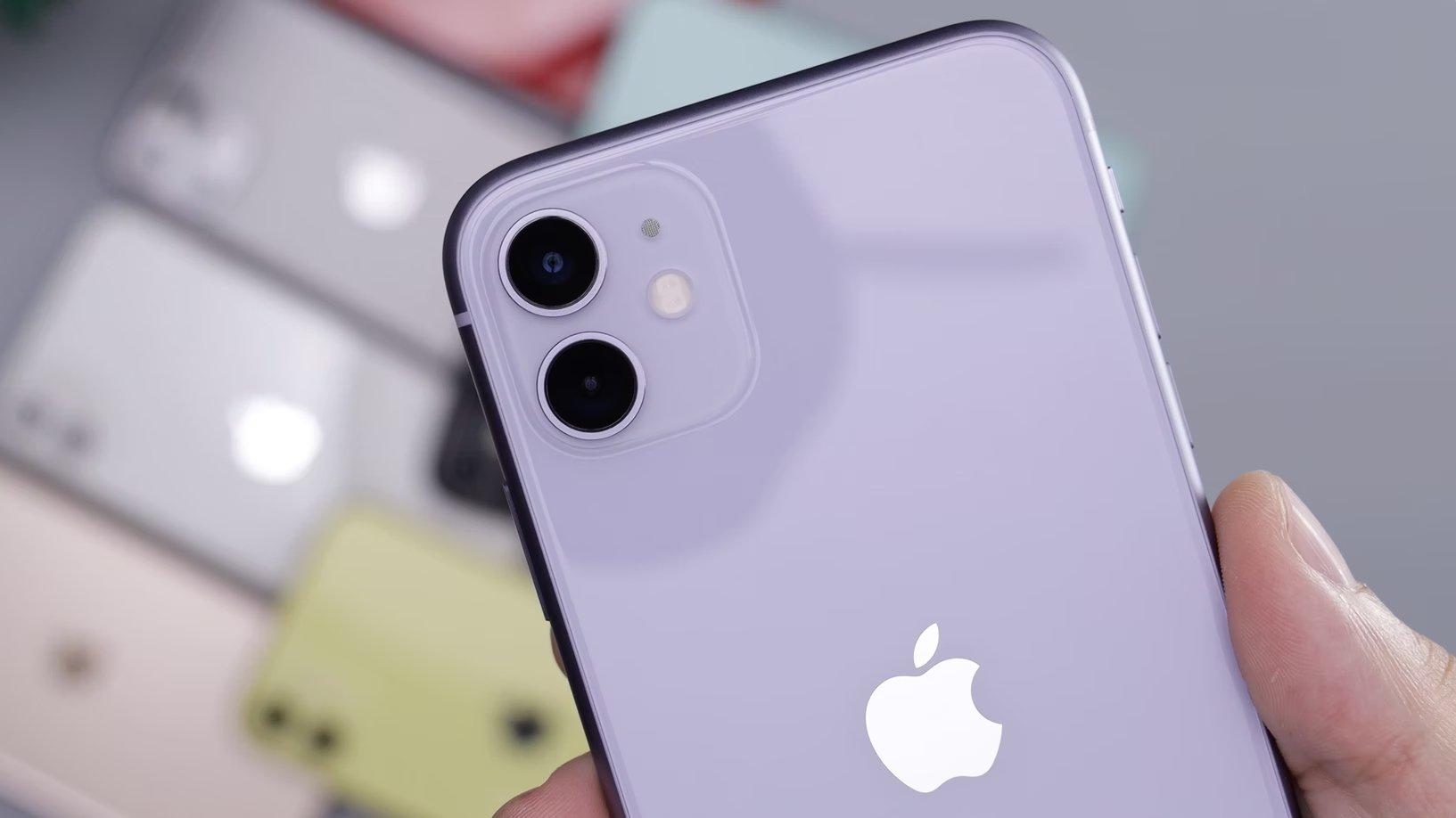 iPhone com câmaras em destaque