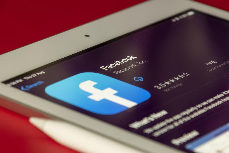 Facebook app em iPad